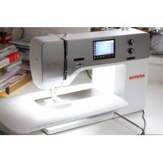 Компьютеризированная швейная машина BERNINA 740